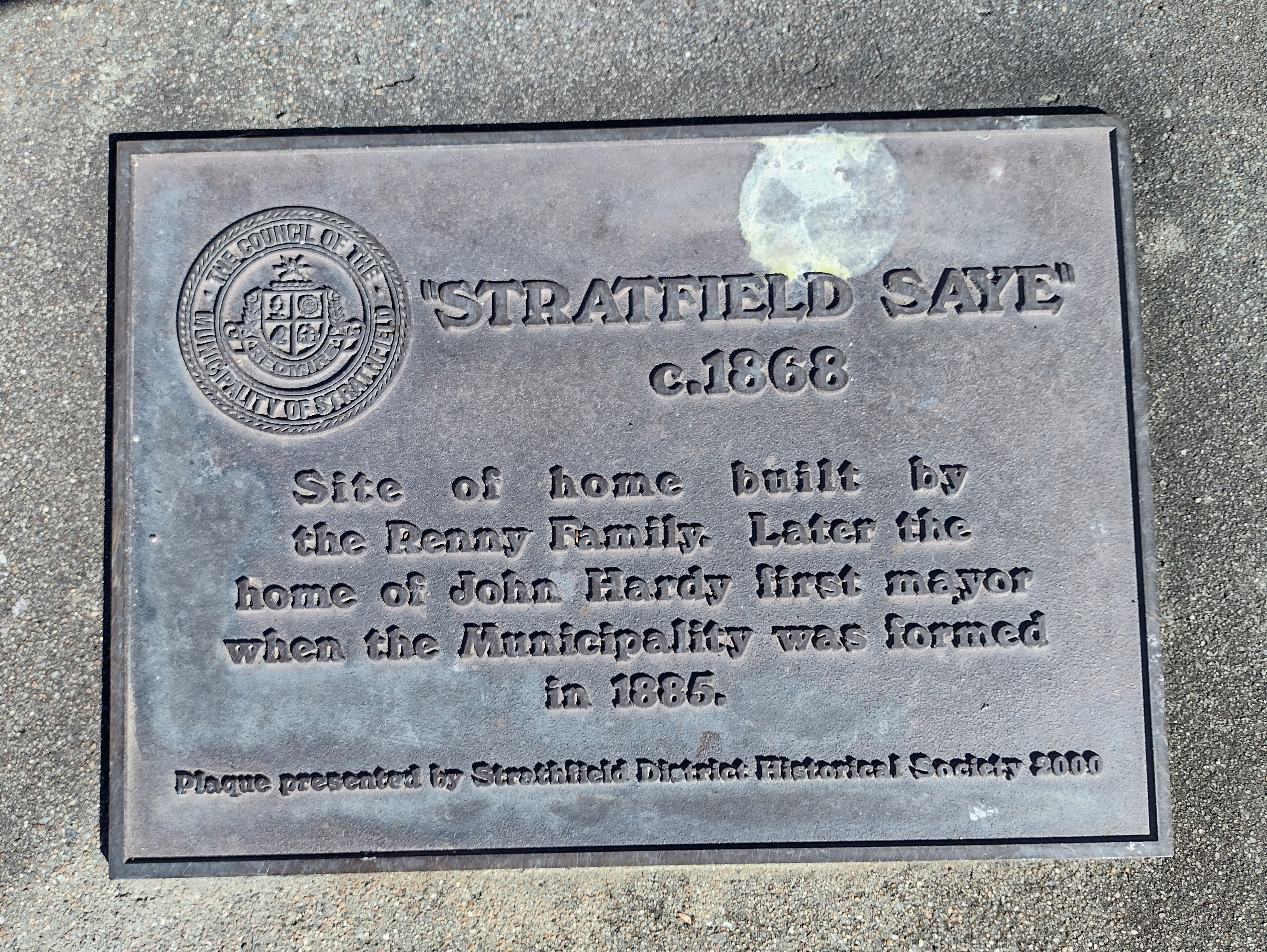 Plaque erected in Strathfield Avenue near the site of the original Strathfield House x.1868. Erected in 2000